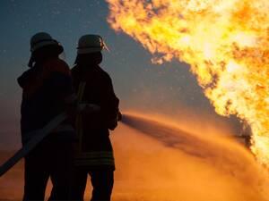 Hilfe bei Feuer- und Leitungswasserschäden